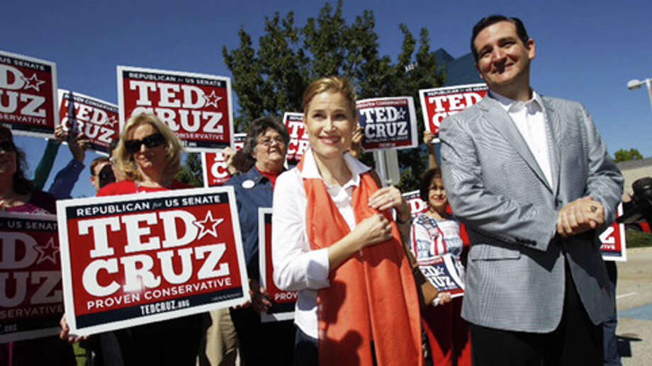 Ted Cruz speaks to supporters Tuesday, Nov. 4, 2012, in Houston. Photo: .