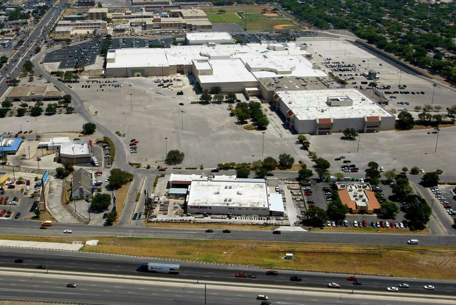 Rackspace Hosting has played a major role in putting this city on the IT map. Photo: Express-News File Photo / 2011 SAN ANTONIO EXPRESS-NEWS