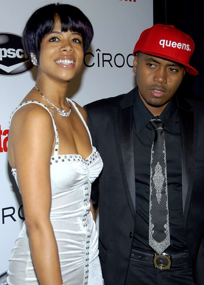 FILE - In this Feb. 10, 2008 file photo, singer Kelis, left, and Nas pose on the press line at the Entertainment Weekly Island Def Jam Grammy party in Los Angeles. (AP Photo/Dan Steinberg, file) (AP)