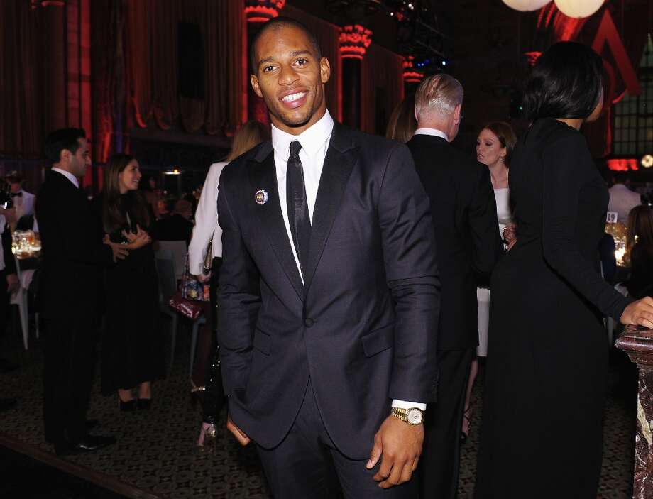 Victor Cruz attends the 16th Annual ACE Awards presented by the Accessories Council at Cipriani 42nd Street on November 5, 2012 in New York City. Photo: Michael Loccisano, Getty Images For Accessories Cou / 2012 Getty Images