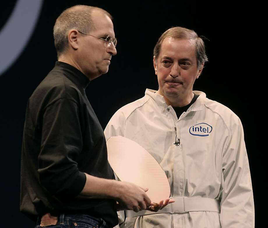 Steve Jobs (left) and Intel CEO Paul Otellini describe the use of Intel chips in Macs in '06. Photo: Liz Hafalia, SFC