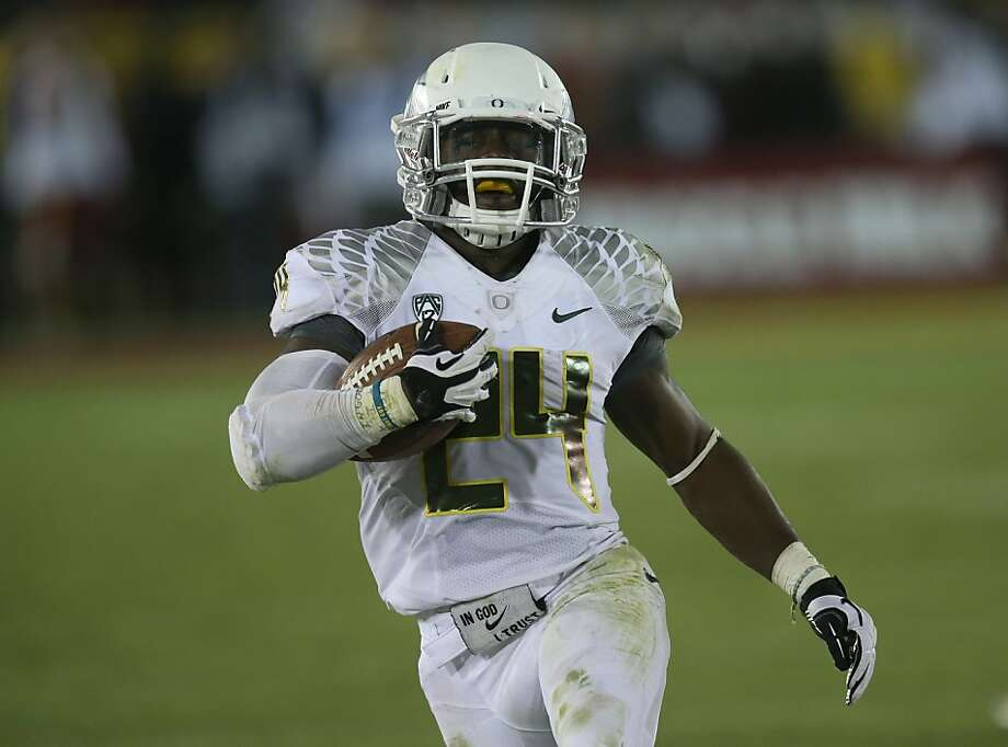 Oregon's Kenjon Barner rushed for a school-record 321 yards Saturday. Photo: Stephen Dunn, Getty Images