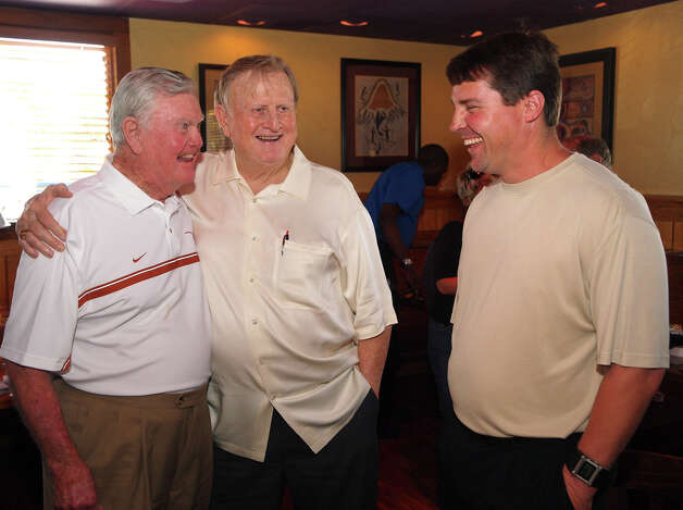 SPORTS -- FOR NATALIE ENGLAND -- Darrell Royal, Red McCombs and first-year Texas defensive coordinator Will Muschamp at the San Antonio Quarterback Club at the Outback Steakhouse on San Pedro Avenue.