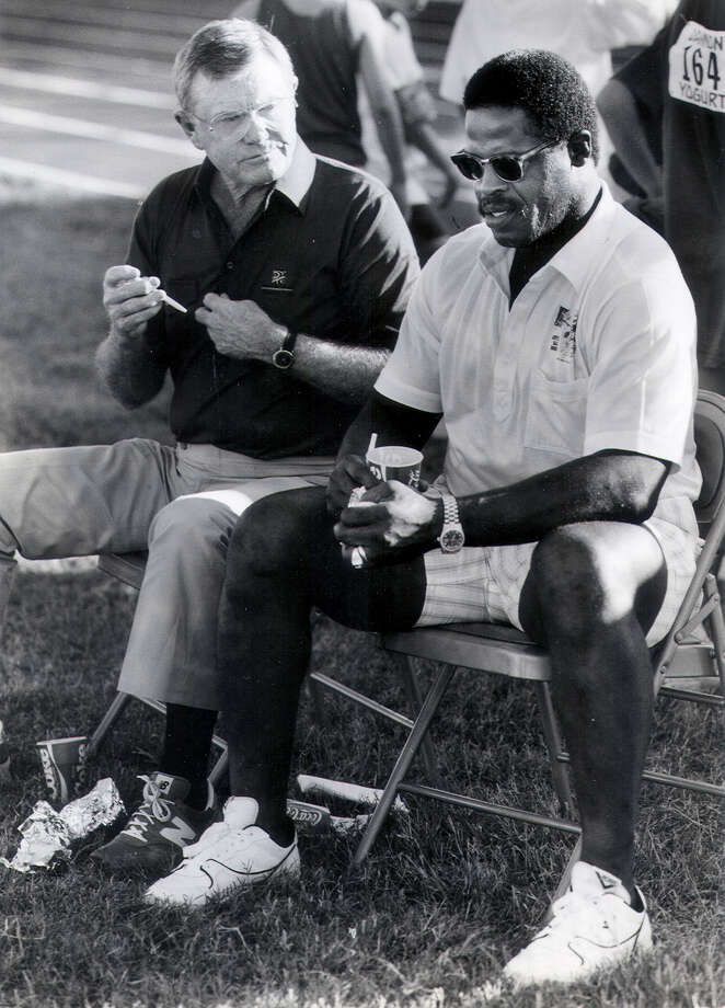 Darrell Royal and Earl Campbell in 1988 at the East-West All Star Game held at San Antonio's Trinity University.