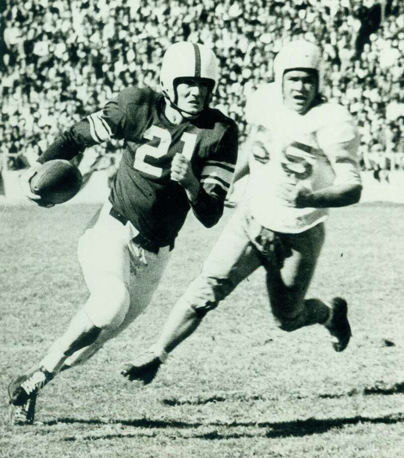Darrell Royal running the football for the University of Oklahoma in 1949.