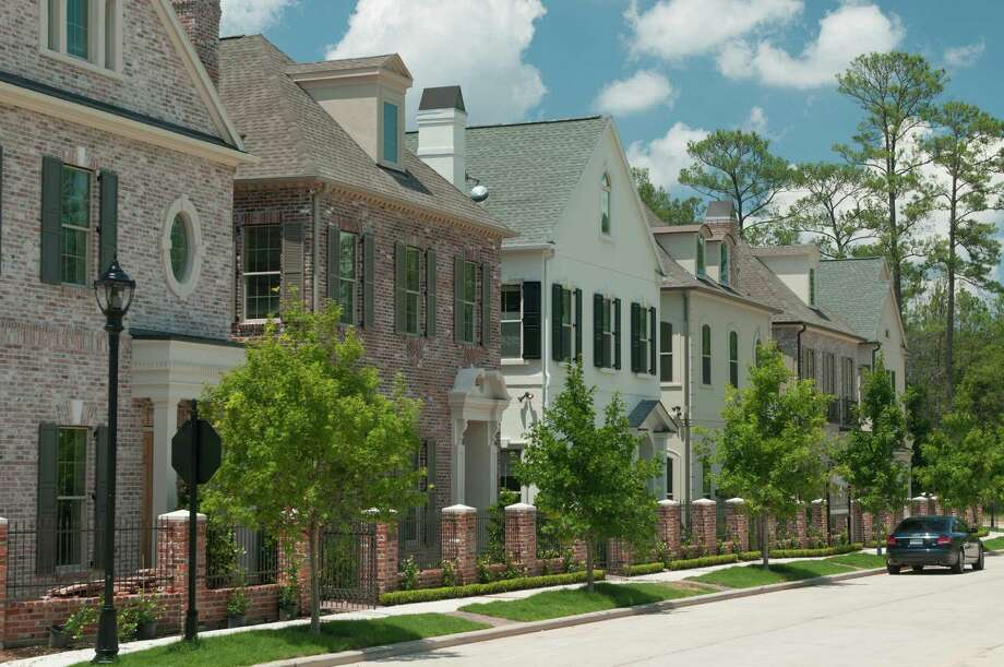 East Shore is in the Garden District of The Woodlands Town Center, bordering 200-acre Lake Woodlands. Pelican Builders, one of the home builders in East Shore, is building in the enclave of Ellipse Park (pictured) and the gated neighborhood of East Gate. Photo: Ted Washington / Copyright©Ted Washington