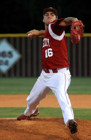Bridge City's Hayden Guidry pitches during the regional semifinal game against Robinson at Magnolia West High School in Magnolia, Thursday. Tammy McKinley/The Enterprise Photo: TAMMY MCKINLEY
