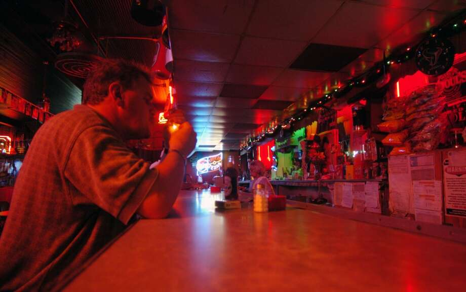 How can San Antonio be lacking in dive bars AND make No. 2 on the list of America's drunkest cities? It's got to be one or the other, people.