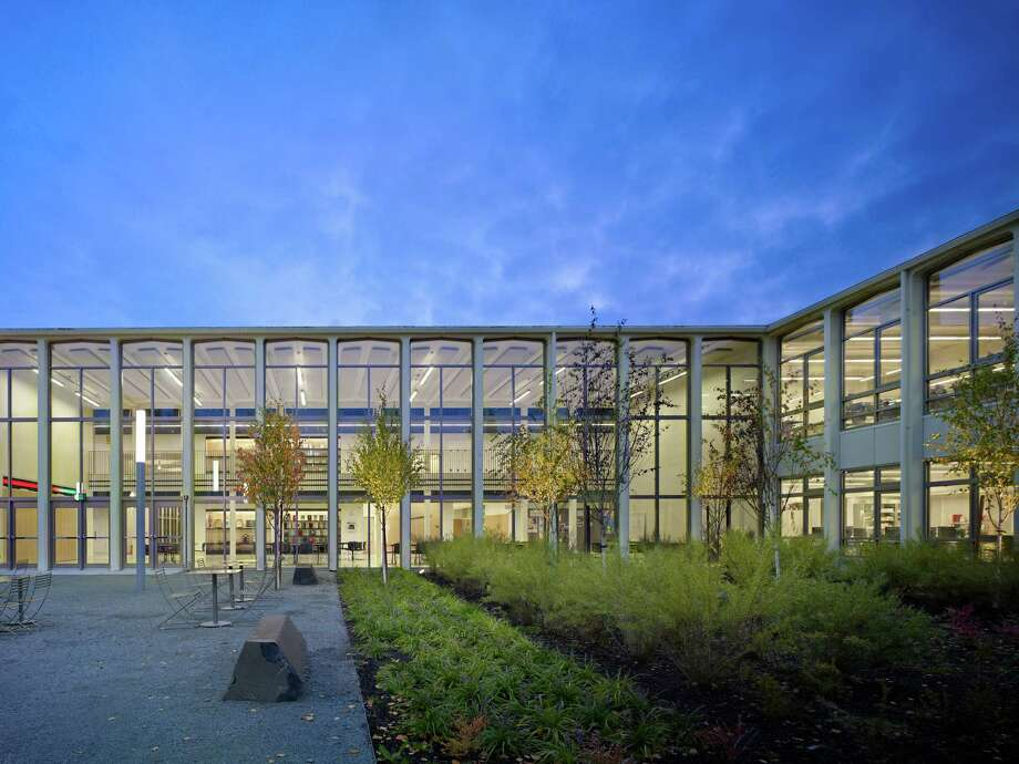 Commendation: Nathan Hale High School Modernization, by Mahlum. Photo: Copyright Benjamin Benschneider