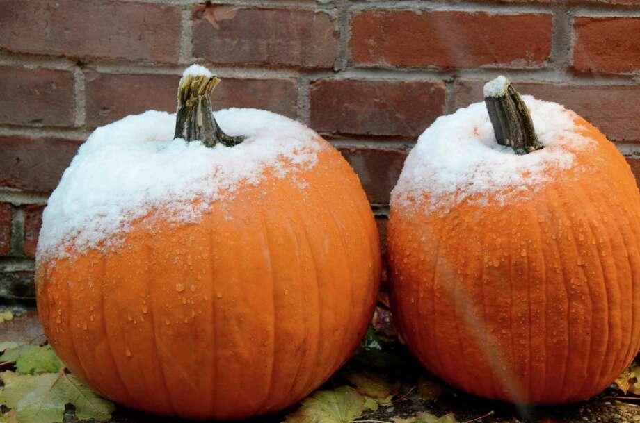 A tale of two seasons.  Nov. 7, 2012, New Canaan, Conn. Photo: Jeanna Petersen Shepard