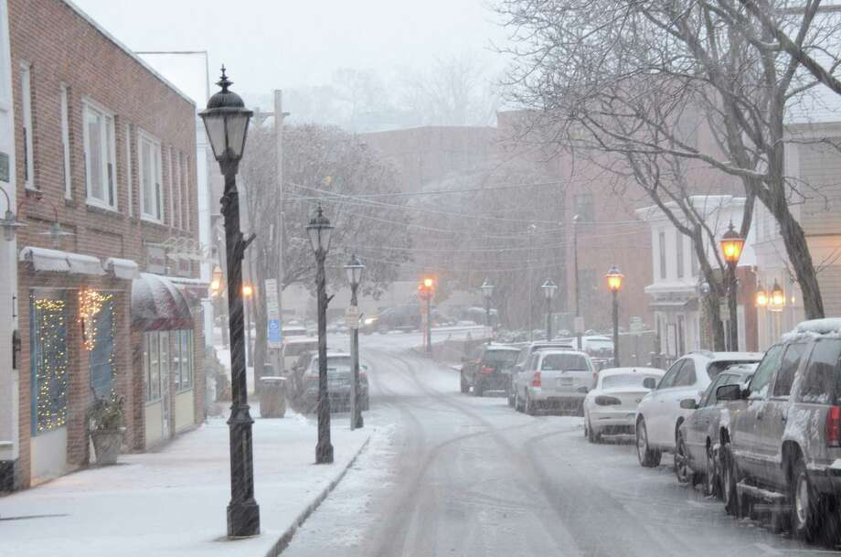 Forest Street as the first snow falls in November.  Nov. 7, 2012, New Canaan, Conn. Photo: Jeanna Petersen Shepard