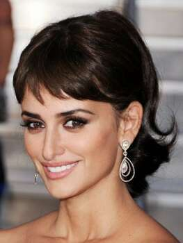 The Look: Mega Lashes Penélope Cruz, 2011