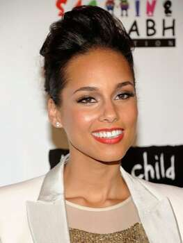 The Look: Mega Lashes Alicia Keys, 2011