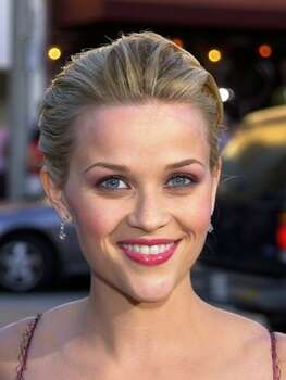 The Look: Pink Lips Reese Witherspoon, 2001