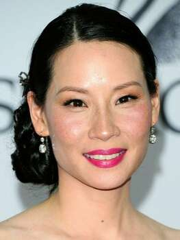 The Look: Pink Lips Lucy Liu, 2011