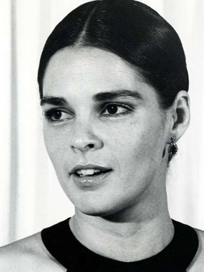 The Look: Full Brows  Ali MacGraw, 1971 Photo: Getty Images