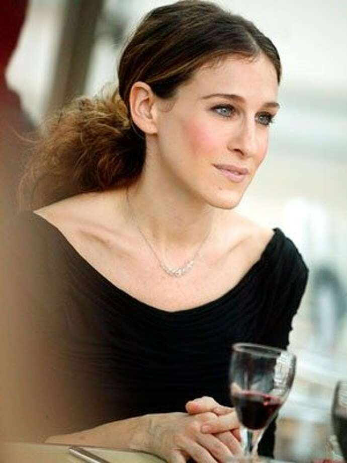 The Look: Rosy Cheeks Sarah Jessica Parker, 2004 Photo: Hbo, Everett Collection