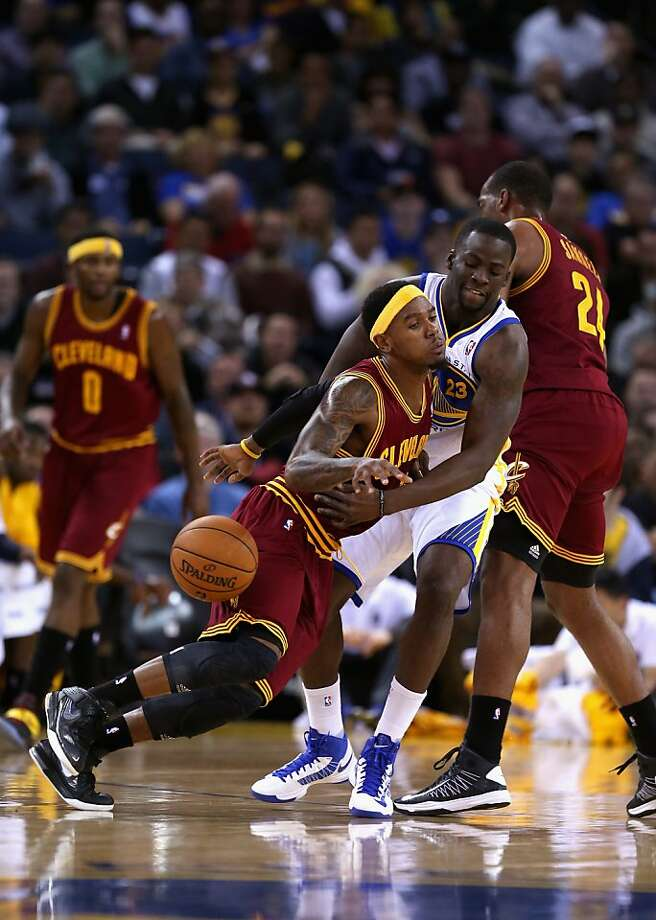 OAKLAND, CA - NOVEMBER 07: Daniel Gibson #1 of the Cleveland Cavaliers collides with Draymond Green #23 of the Golden State Warriors at Oracle Arena on November 7, 2012 in Oakland, California.  NOTE TO USER: User expressly acknowledges and agrees that, by downloading and or using this photograph, User is consenting to the terms and conditions of the Getty Images License Agreement.  (Photo by Ezra Shaw/Getty Images) Photo: Ezra Shaw, Getty Images