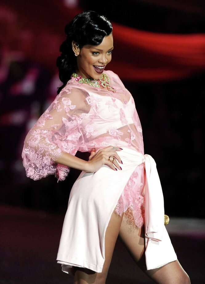 Singer Rihanna performs. Photo: Evan Agostini /Invision/AP