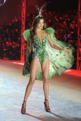 Victoria's Secrert Angel Miranda Kerr walks the runway. Photo: Jamie McCarthy, Getty Images / 2012 Getty Images