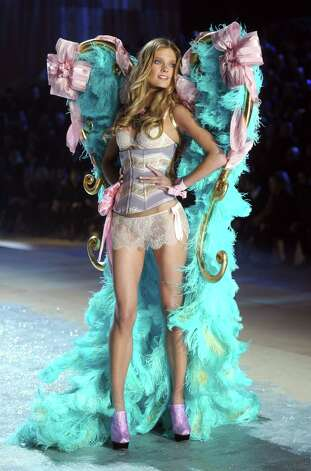 Model Constance Jablonski walks the runway. Photo: Jamie McCarthy, Getty Images / 2012 Getty Images