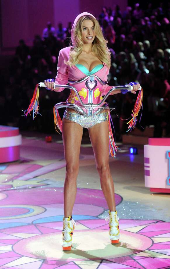 Jessica Hart is dressed like a bicycle, a sexy bicycle. It's like fashion doesn't even make sense anymore. Photo: Jamie McCarthy, Getty Images / 2012 Getty Images