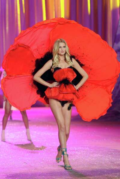 Model Toni Garrn walks the runway.