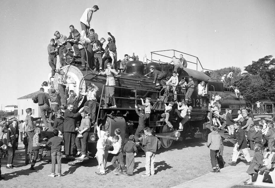 Dec. 17, 1957: The newly installed locomotive play structure at the San Francisco Zoo. Photo: Bob Campbell, The Chronicle / ONLINE_YES