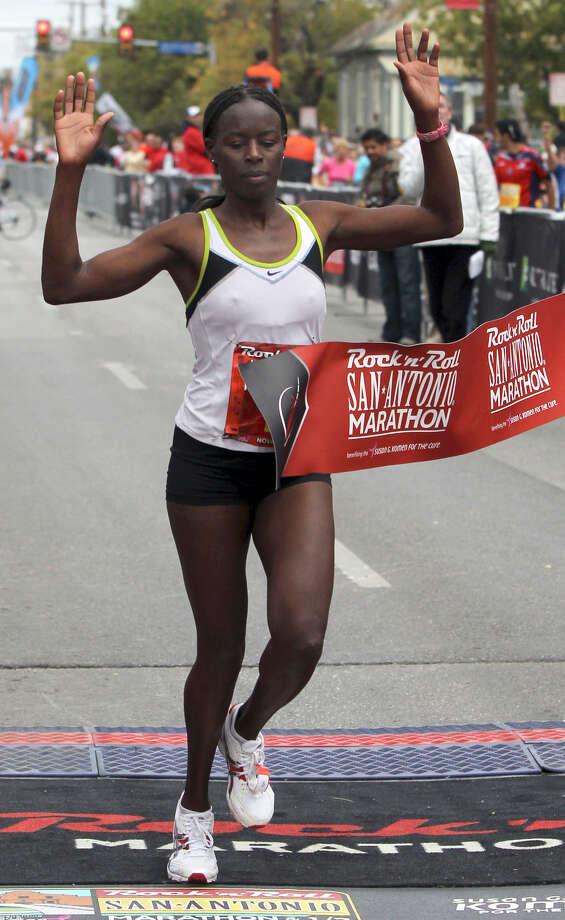Marathon (Women) 11/14/10 - Evelyn Lagat: 2:42:43 Photo: JOHN DAVENPORT, Express-News / jdavenport@express-news.net