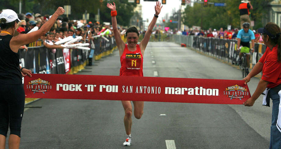Marathon (Women) 11/15/09 - Tatiana Pushkareva: 2:30:30 Photo: JOHN DAVENPORT, Express-News / jdavenport@express-news.net