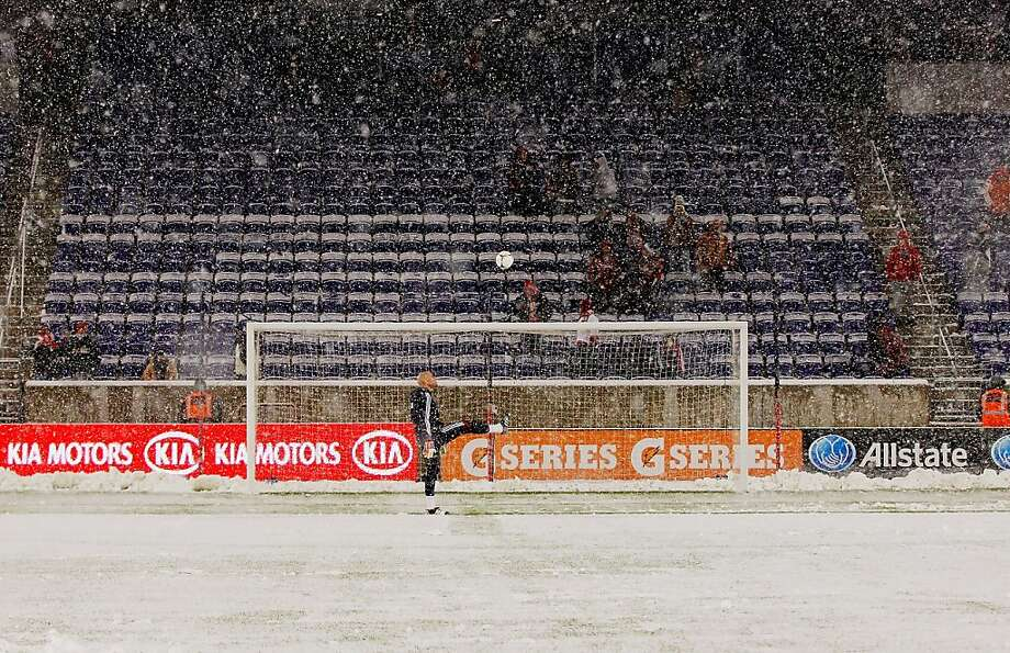 Bill Gaudette of the New York Red Bulls warms-up as the snow falls prior to the start of the game against the D.C. United at Red Bull Arena on November 7, 2012 in Harrison, New Jersey. Photo: Mike Stobe, Getty Images For New York Red Bu
