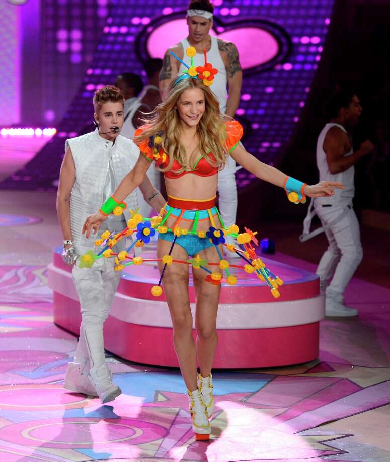 Justin Bieber performs during the 2012 Victoria's Secret fashion show November 7, 2012 in New York. Photo: TIMOTHY A. CLARY, AFP/Getty Images / AFP
