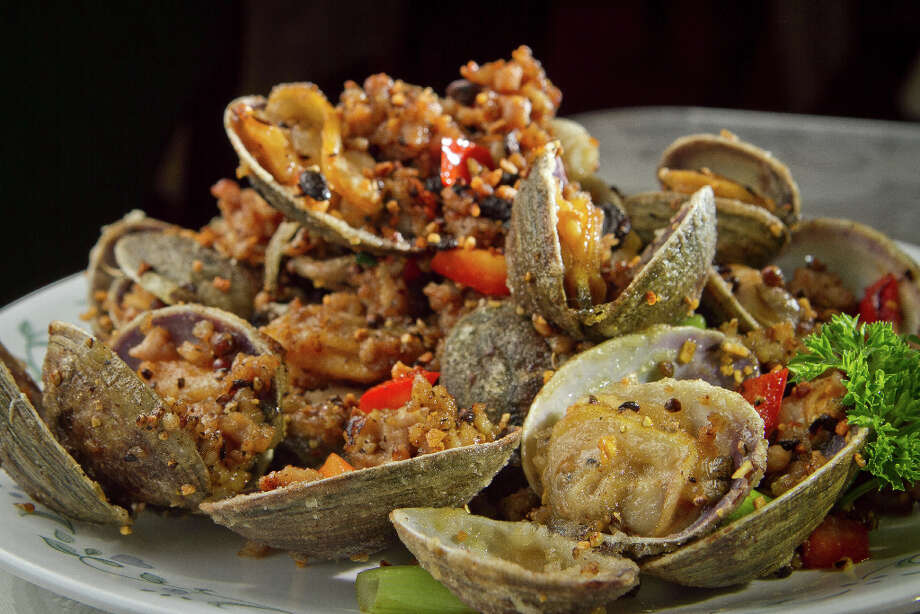 The Clams with Spicy Salt & Black Bean Sauce from Hakka. Photo: John Storey, Special To The Chronicle / John Storey