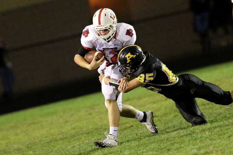 Fairfield Prep quarterback Strecker Backe will try to help the Jesuits keep their playoff hopes alive on Friday against ND-West Haven. Photo: Mike Ross / Connecticut Post Freelance