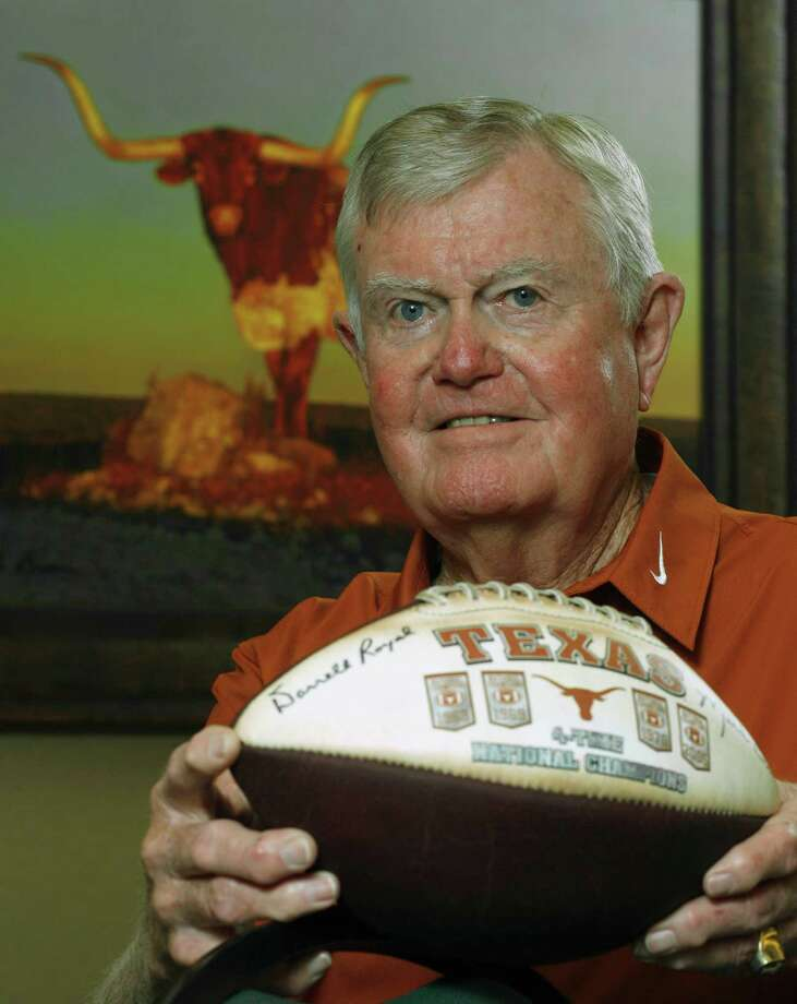 Former Texas head football coach Darrell Royal is shown at his apartment complex Tuesday, Sept. 18, 2007, in Austin, Texas. He began as head coach of the Longhorns 50 years ago. (AP Photo/Harry Cabluck) Photo: Harry Cabluck, STF / AP2007