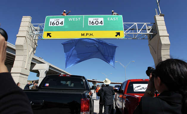 The new U.S. 281 North to Loop 1604 East and West Direct Connector is unveiled on Thursday, Nov. 8, 2012. Construction that began 18 months ago to join the two highways has now been completed and ready to open to traffic. Photo: Kin Man Hui, San Antonio Express-News / © 2012 San Antonio Express-News