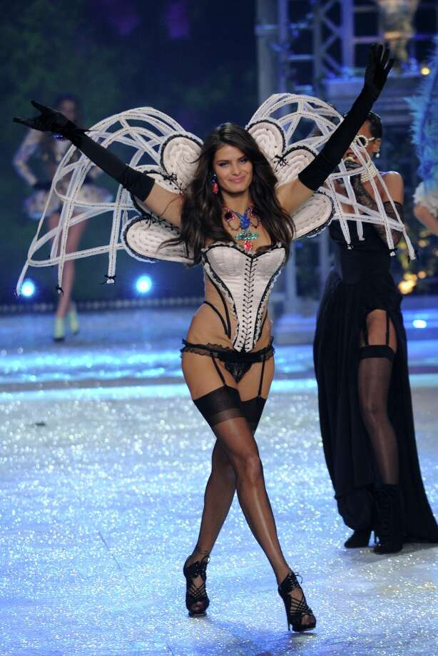Model Isabeli Fontana walks the runway during the Victoria's Secret 2012 Fashion Show on November 7, 2012 in New York City.  (Photo by Bryan Bedder/Getty Images for SWAROVSKI ELEMENTS) Photo: Bryan Bedder, Getty Images For SWAROVSKI ELEME / 2012 Getty Images