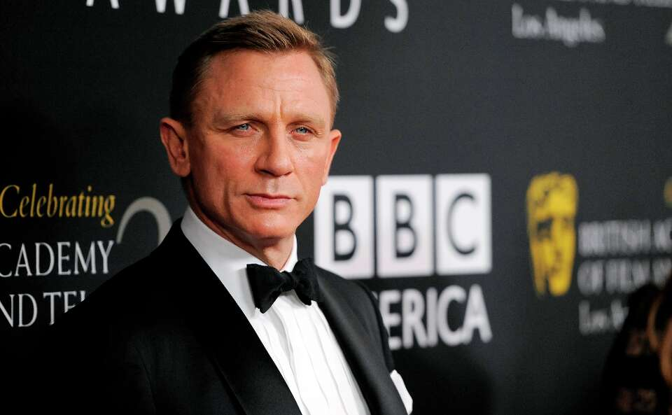 Honoree Daniel Craig poses at the BAFTA Los Angeles 2012 Britannia Awards at the Beverly Hilton Hote