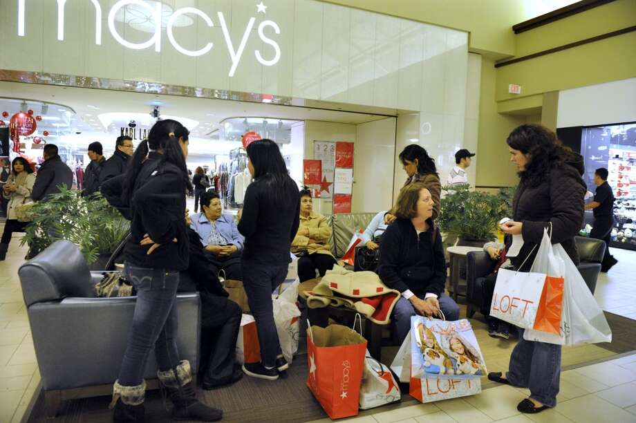 Black Friday shoppers crowd the halls of the Danbury Fair mall around 2a.m. Friday morning. Photo taken Friday, Nov. 25, 2011. (Carol Kaliff)