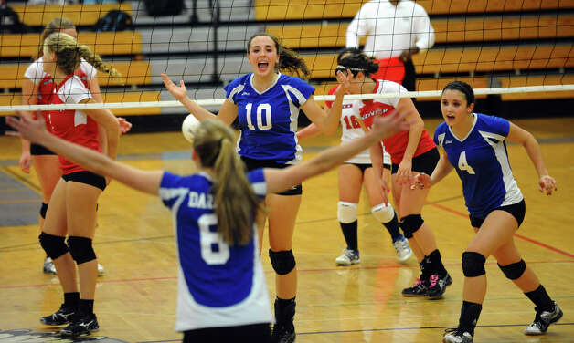 FCIAC Girls' Volleyball Semi-final action between Darien and Greenwich in Fairfield, Conn. on Thursday November 8, 2012. Photo: Christian Abraham / Connecticut Post