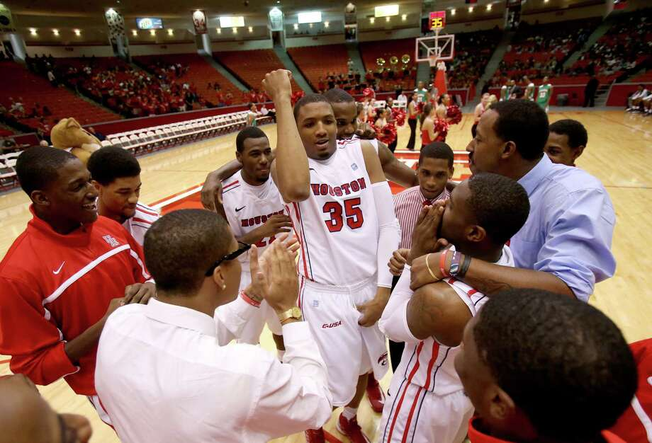 11/9/12: Houston Cougars forward TaShawn Thomas (35) gets his teammates fired up before playing against the Florida A&M Rattlers at the Hofheinz Pavilion on November 9, 2012 at the University of Houston in Houston, Texas. At halftime Florida was winning 35 to 34. Photo: Thomas B. Shea, For The Chronicle / © 2012 Thomas B. Shea