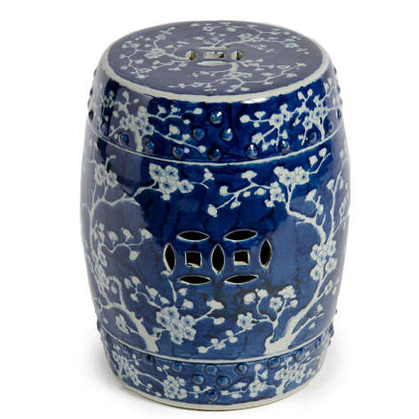plum blossom garden stool. Pure Home photo Photo: Pure Home