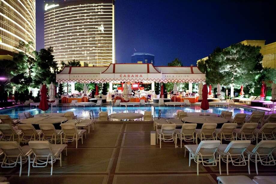 Poolside Tent at the Wynn Hotel Las Vegas Photo: Jenny Antill / JennyAntill