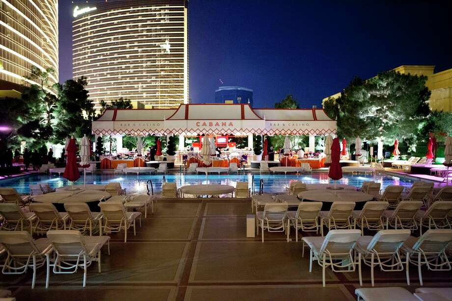 Poolside Tent at the Wynn Hotel Las Vegas Photo: Jenny Antill / JennyAntill
