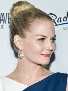 The Ballerina Bun When elegance is the goal, you can't go wrong with a classic look like Once Upon A Time star Jennifer Morrison's. Bonus: It's fast! Just apply a bit of pomade to the front and underside of your hair then brush it up into a ponytail. Twist the tail into a chignon and secure with pins.