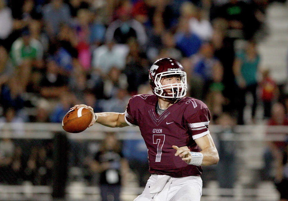 11/9/12: Jarrett Hildreth #7 of the Clear Creek Wildcats in the pocket against the Clear Springs Chargers on November 9, 2012 at Veterans Memorial Stadium in League City, Texas. Photo: Thomas B. Shea, For The Chronicle / © 2012 Thomas B. Shea