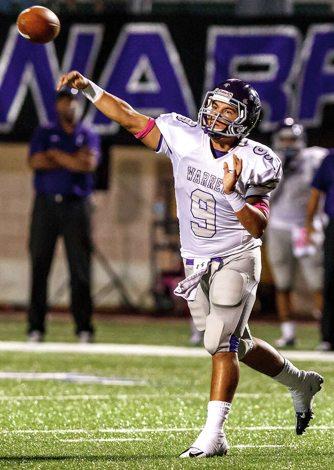 Warren's Ryan Larson gets off a pass during the fourth quarter of their game with Clark at Farris Stadium on Nov. 9, 2012.  Clark claimed a spot in the playoffs with a 27-26 overtime victory over the Warriors.  MARVIN PFEIFFER/ mpfeiffer@express-news.net Photo: MARVIN PFEIFFER, Express-News / Express-News 2012