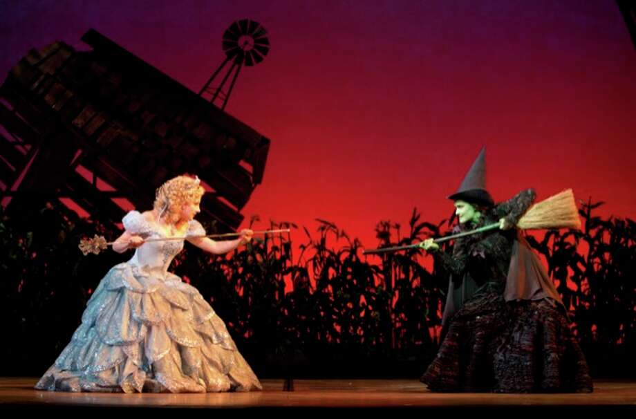 Jeanna de Waal  and Christine Dwyer in the Broadway touring production of Wicked. (Joan Marcus) (ALL)