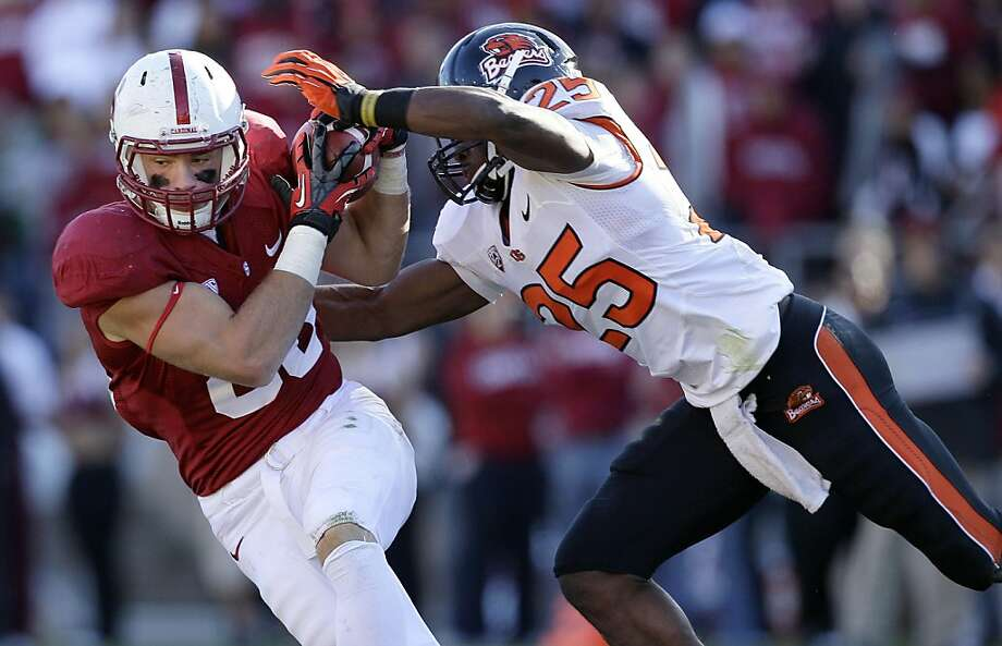 Stanford tight end Zach Ertz (86) catches a pass in front of Oregon State safety Ryan Murphy (25) during the third quarter of an NCAA college football game in Stanford, Calif., Saturday, Nov. 10, 2012. Stanford won 27-23. (AP Photo/Jeff Chiu) Photo: Jeff Chiu, Associated Press
