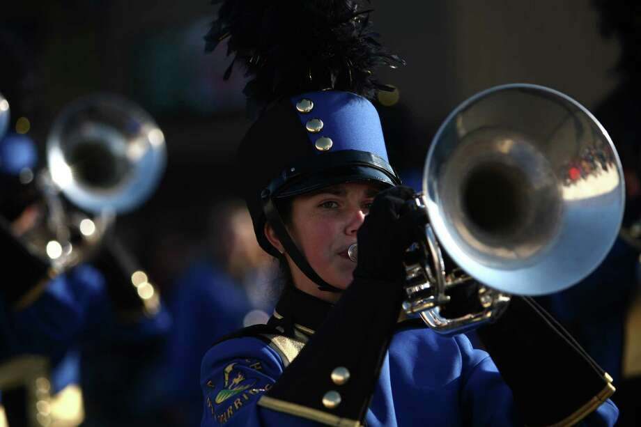 Members of the Aloha High School marching band participate in the Auburn Veterans Day Parade. Photo: JOSHUA TRUJILLO / SEATTLEPI.COM